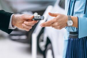 8 REASONS WHY YOU SHOULD RENT A CAR